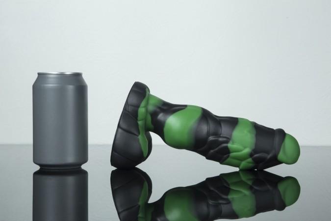 Dračie dildo Weredog Gage Jet/Evergreen Marbled stredné
